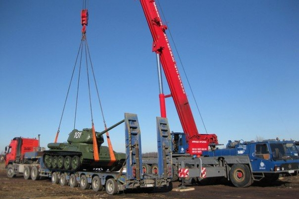 Танк Т-34 и кран Крупп