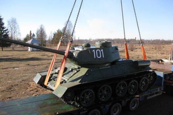 Танк Т-34-85 готов к установке