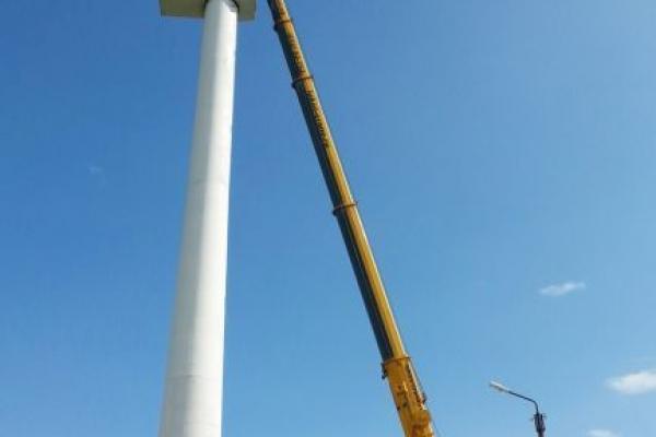 Установка ветрогенератора Liebherr 200 т
