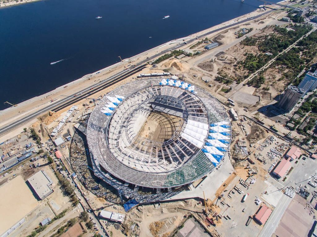 Стадион Волгоград Арена начало устройства мембранной кровли